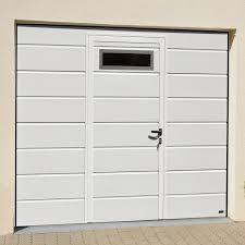 Installer un portillon avec la porte du garage: est-ce possible?
