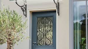 Installer une porte d'entrée en rénovation: comment faire?